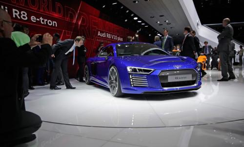 Audi обновила свою линейку новой моделью R8. Стоимость: $ 250.000.