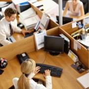 Почему стоит слушать музыку в офисе?