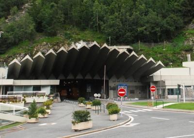 Второй тоннель под Готардским массивом