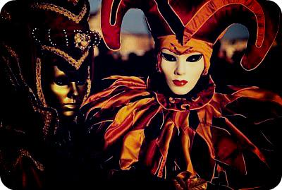 Чем знаменит Венецианский карнавал?