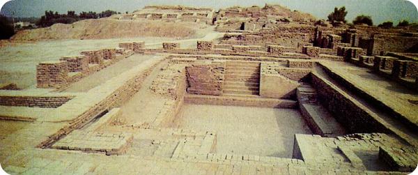 Раскопки города Мохенджо-Даро.